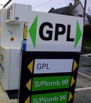 """Adusbef e Federconsumatori: """"necessario promuovere l'alimentazione a Gpl per le automobili per ridurre la spesa carburanti"""""""