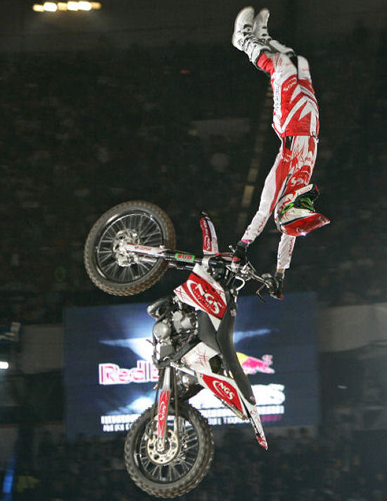 EXPRESS YOURSELF X-fighters-_dtorres