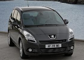 Peugeot 5008: a tutta … famiglia verso Francoforte